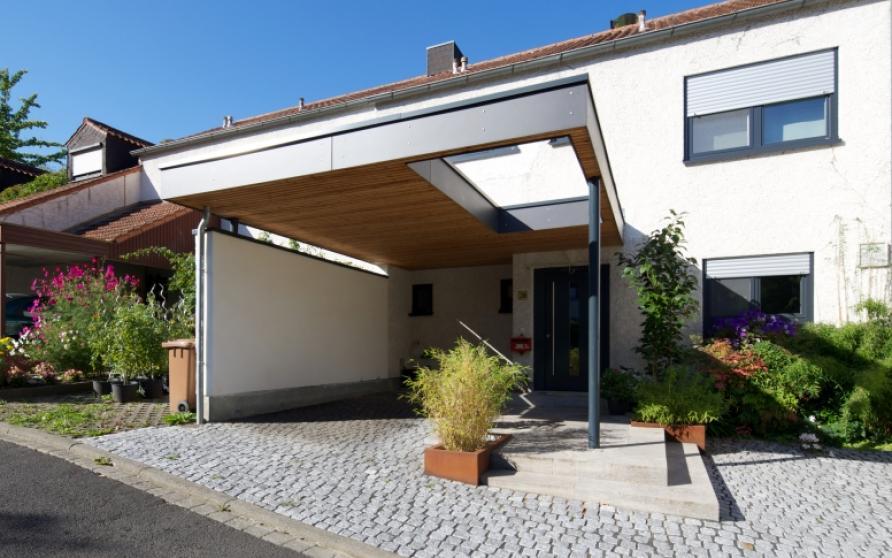 Diverse Projekte: Carport mit Außenanlagen