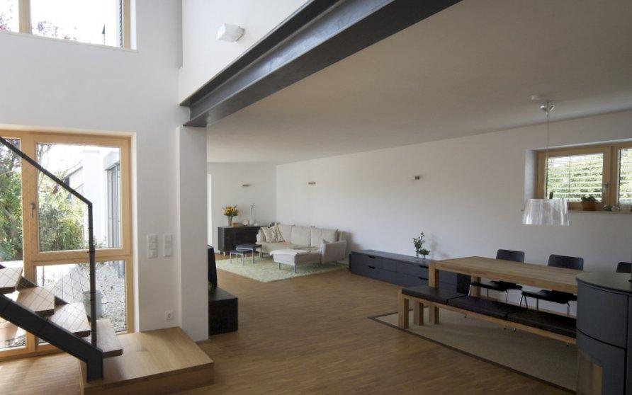 Blick von Diele in Wohn-Essbereich