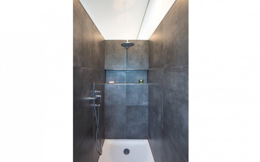 Dusche im Hauptbad